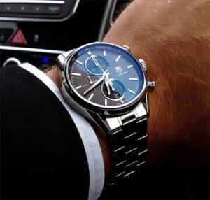 Модные часы в классическом стиле